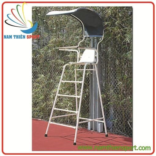 Ghế trọng tài tennis cao 1,8 mét